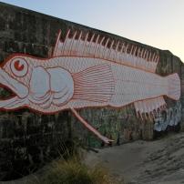 Le long du littoral de Flandres. L'artiste numérote ses fresques réalistes, également présentes dans d'autres régions. Quelqu'un le connaît-il ?