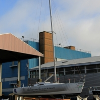 C'est principalmeent dans le quartier de la Citadelle et en proximité que l'on trouvera les commerces de la mer de loisir.