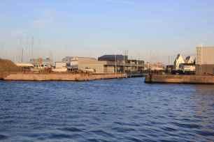 A la création du Bassin Freycinet, 4 formes de radoub permettaient déjà, par un ingénieux système de portes flottantes agissant comme un balast, de faire descendre celles-ci dans l'eau. Un pompe vidait l'eau de la cale. La porte était alors plaquée sur les bords de la cale grâce au poids de la masse d'eau du bassin. Il ne reste malheureusement plus grand chose de ce patrimoine technique.