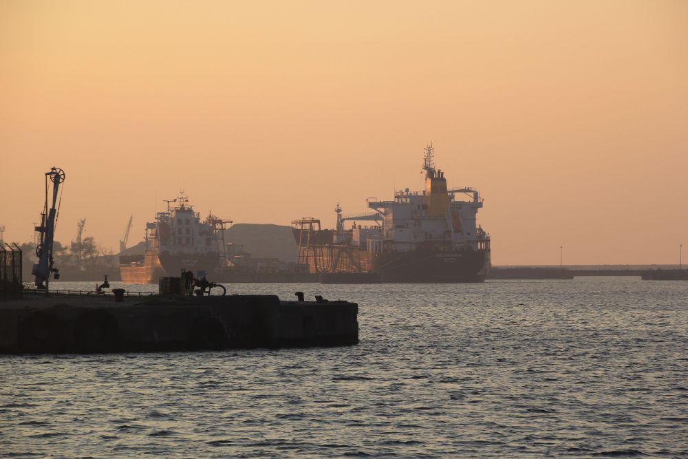 Dunkerque - le port industriel, Bassin Freycinet (1/6)