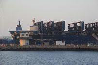 En une année, le chantier DAMEN ARNO DUNKERQUE peut accueillir plus de 50 navires à sec. Le chantier est équipé de formes de raboud dont la plus grande accepte les navires « Capesize » de 180 000 tonnes en lourd.