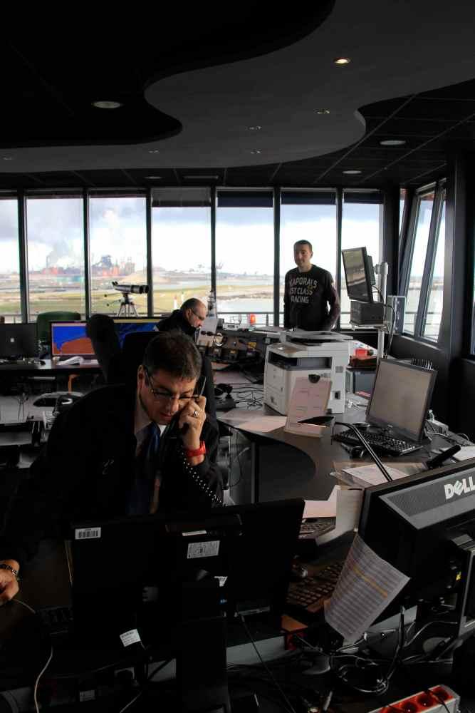 Dossier 6 - Les officiers de port (2/6)