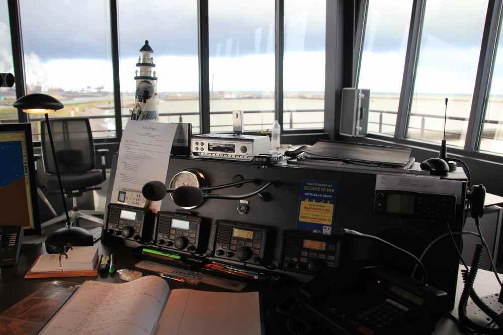 Dossier 6 - Les officiers de port (4/6)