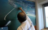 C'est le travail quotidien d'Hubert Kervalla, officier de port, que de gérer ce plan et de faire face aux aléas avec lequels il devra composer pour maintenir le service en toute sécurité.