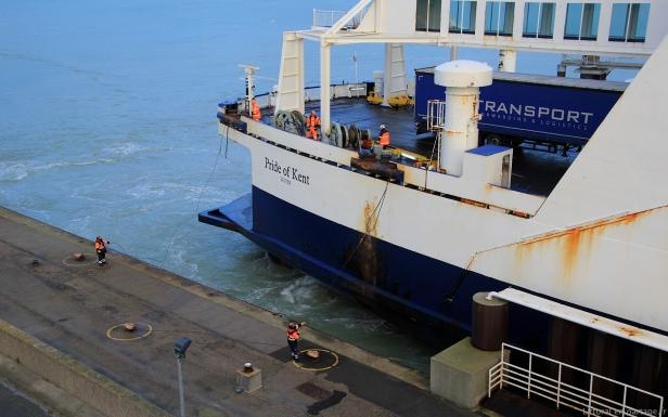 Le navire Pride of Kent amarre à l'aide su service de lamanage de la Chambre de commerce